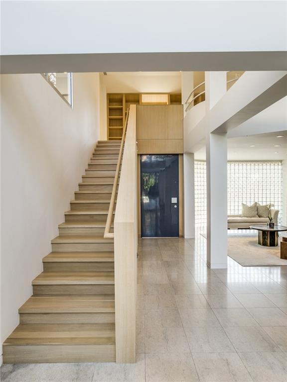 Интерьер дома построенного с отделкой