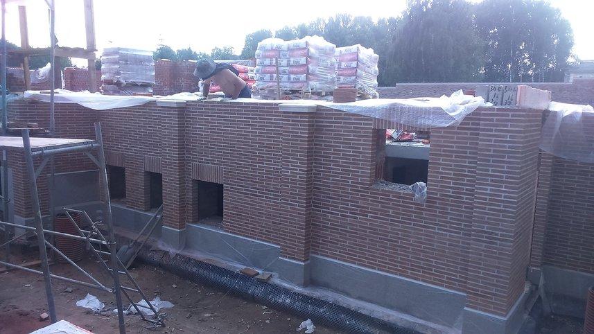 Фото строительство кирпичного коттеджа